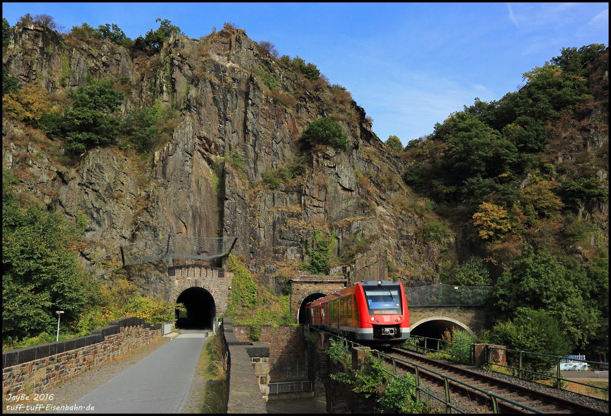http://tuff-tuff-eisenbahn.de/ahrtal/620022_160902tunnel.jpg