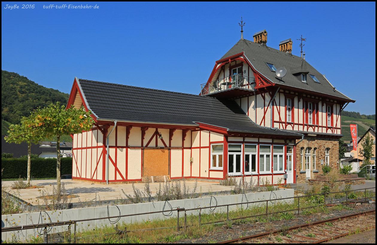 http://tuff-tuff-eisenbahn.de/ahrtal/dernau_160827.jpg